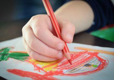 Co wpływa na rozwój zdolności manualnych dziecka?